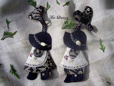 llaveros sue Key Bag, Sunbonnet Sue, Totoro, Keys, Crochet Earrings, Applique, Drop Earrings, Quilts, Sewing