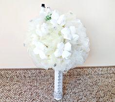biały bukiet z krepiny na różne okazje ślub, komunie, więcej na kwiatyupominki.net