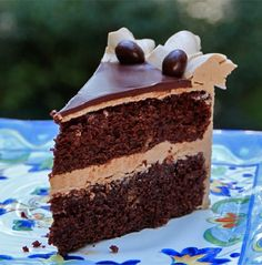 Easy Chocolate Cake filled and frosted with espresso buttercream! Find the recipe here: http://www.bakepedia.com/easy-chocolate-cake-recipe/