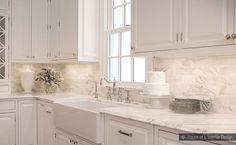 subway+glass+tile+backsplash+design | calacatta-gold-subway-backsplash-tile-beige-kitchen-countertop