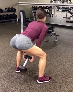 """1,892 Likes, 33 Comments - Delish Detox (@delishdetox) on Instagram: """"Legs+booty work🍑🎥 DOUBLE TAP for more workout videos & visit @SculptLifestyle💁🏼 if you're trying to…"""""""