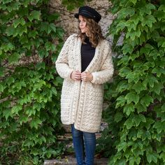There's nothing as simple and classic as an oversized cardigan. With inspiration drawn from the peacefulness of a park gently dusted in snow, envelope yourself in the snuggly warmth of the Snow Angel Cardigan; The perfect companion for an early morning Knitting Patterns, Stitch Patterns, Crochet Patterns, Crochet Ideas, Blanket Patterns, Flower Patterns, Sewing Patterns, Unique Crochet, Free Crochet