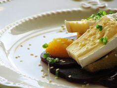Wino Francja Kuchnia: Przystawka na zimno z serem brie, pomarańczą i pie...