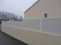 The PVC fence you use can guard your house or garden.If you need,just leave the message below.
