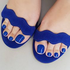 Amazing Toe Nails Designs To Choose In Summer - Nail Art Connect Beach Toe Nails, Glitter Toe Nails, Gel Toe Nails, Acrylic Toe Nails, Simple Toe Nails, Pretty Toe Nails, Summer Toe Nails, Feet Nails, Pretty Toes