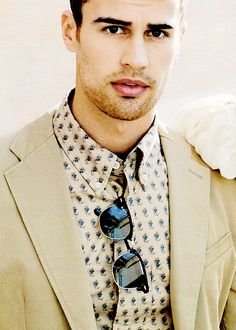 Theo James for InStyle Magazine Theo James, Theodore James, James 3, Hot Actors, Actors & Actresses, Beautiful Men, Beautiful People, Bae, Instyle Magazine