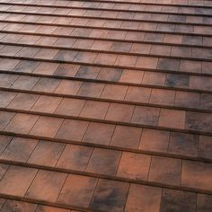 Rojo musgo Roof Tiles, The Expanse, Valencia, Hardwood Floors, It Is Finished, Exterior, Colours, Architecture, Red