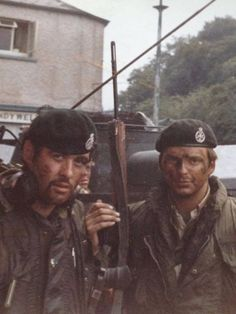 Brits Having A ''Hard Day'' (1973) British Armed Forces, British Soldier, British Army, Northern Ireland Troubles, Royal Green, Falklands War, Michael Collins, Troops, Soldiers