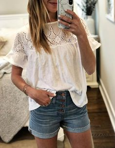 All of the heart eye(let)s for this top! And at off I think I need to stock up on the other colors. Dressy Casual Outfits, Cute Summer Outfits, Spring Outfits, Cute Outfits, Latest Fashion Clothes, Fashion Outfits, Boho Fashion, Fashion Looks, White Women