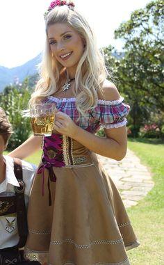 Ein Prosit! - Blog Mundo Lolita