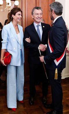 Juliana Awada Melania Trump, Lawyer Outfit, Brigitte Macron, Professional Image, Looks Chic, Work Looks, 50 Fashion, Classic Outfits, Winter Looks