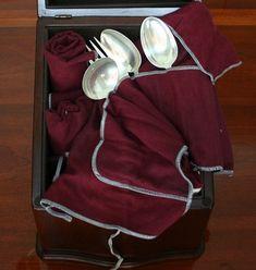 Yankee Magazine's Tips for Polishing Silverware Big Spoon, Small Spoon, Spoon Theory, Health Site, Warm Blankets, Cleaning Hacks, Diy, Fibromyalgia, Cutlery