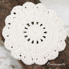 List of attractive matto virkattu ohje ideas and photos Princess Stories, Crochet Kitchen, Crochet Mandala, Doilies, Coasters, Rugs, Knitting, Diy, Patterns