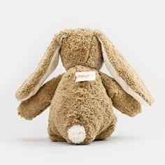 Der #Stoffhase von #Kallisto auch toll von hinten - http://www.echtkind.de/bio-kuscheltiere-und-bio-spieluhren/kuscheltier-hase-aus-bio-baumwolle-von-kallisto-gefuellt-mit-schafwolle.html