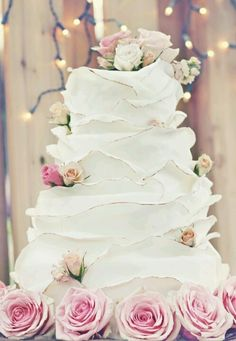 The Most Beautiful Winter Wedding Cakes