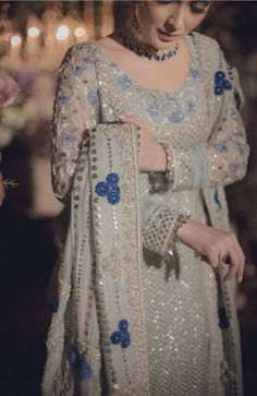 casual date ideas Pakistani Wedding Outfits, Pakistani Wedding Dresses, Pakistani Dress Design, Shadi Dresses, Indian Dresses, Indian Outfits, Stylish Dresses, Fashion Dresses, Indian Designer Outfits
