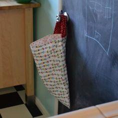DIY Kitchen Wet Bag – For Used Dish Cloths, Unpaper Towels & Dinner Napkins