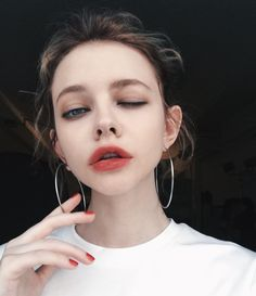 This girl is gorgeous, love her lips!