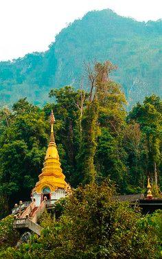 Tempel im bergigen Norden Thailands Bangkok, Strand, Thailand, Tower, Building, Temples, Rook, Computer Case, Buildings
