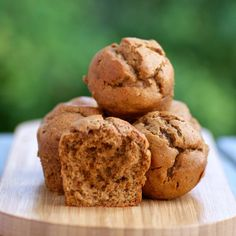 These Flourless Date and Almond Butter Muffins are SO delicious and made with just 5 ingredients. Paleo, gluten free and sugar free!