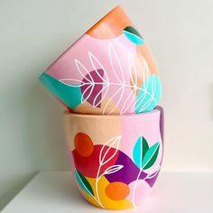 Diy Home Crafts, Jar Crafts, Decor Crafts, Arts And Crafts, Painted Plant Pots, Painted Flower Pots, Pottery Painting Designs, Pottery Art, Pots D'argile