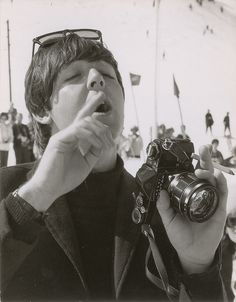 It's a home for rare and hard to find Beatles and Paul McCartney photos and memorabilia. Paul, Paul and more Paul! Beatles Band, The Beatles, Great Bands, Cool Bands, My Love Paul Mccartney, The Quarrymen, Diana, Beatles Photos, Sir Paul