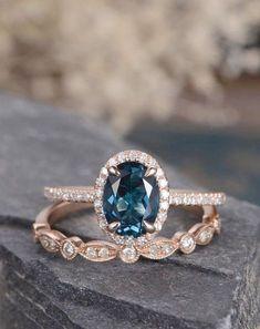 Vintage And Antique Engagement Rings Ideas 47 #weddingideas
