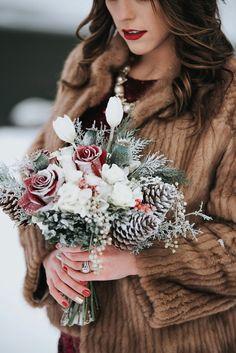 An Elegant Styled Elopement in a Winter Wonderland Christmas Wedding Bouquets, Winter Bridal Bouquets, Winter Bouquet, Winter Wedding Flowers, Floral Wedding, Winter Bridesmaids, Winter Wonderland Wedding, Lodge Wedding, Personalized Wedding Gifts