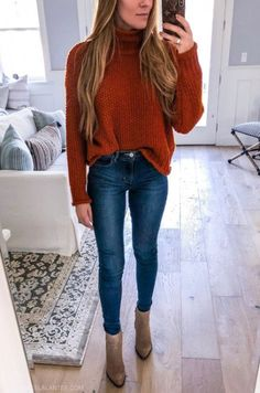 5 Ways to style Skinny Jeans with Angela Lanter. 5 Ways to Style Skinny Jeans high waist high-waisted Levi's medium wash denim everyday casual outfits looks angela lanter hello gorgeous Fashion Blogger Style, Look Fashion, Trendy Fashion, Autumn Fashion, Fashion Bloggers, Womens Fashion, Fashion Beauty, Skinny Fashion, Fashion Sites