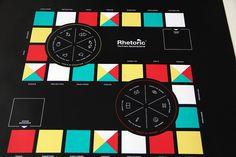 Rhetoric - The Public Speaking Game ist ein unterhaltsames Brettspiel und gleichzeitig ein Coaching-Tool, das die Steigerung der rhetorischen Fähigkeiten zum Ziel hat. Entwickelt wurde es von den bekannten Rhetoric Trainern Florinan Mueck und John Zimmer. Das Design stammt von navarra.is. Eine erste Auflage von 250 Spielen war schnell vergriffen, wir dürfen jetzt die überarbeitete Auflage produzieren - 1.000 Spiele, gedruckt auf rollbare LKW-Plane, verpackt in eine Klarsicht-PVC-Rolle. In…