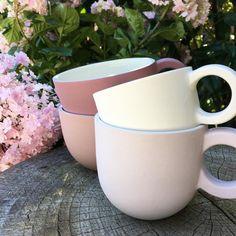 "103 Synes godt om, 4 kommentarer – Keramik / Ceramic Webshop (@unika_k) på Instagram: ""Girl colours 🌸 #cinnamon #plum #lavender #white #mugs by #hellegram at unika-k.dk / com #teamug…"""