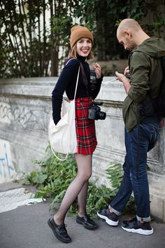 The outfit minus the tights. On the Street…All the Pretty Photographers, Paris. Via The Sartorialist. Kids Fashion, Winter Fashion, Fashion Outfits, Womens Fashion, Paris Fashion, Parisian Chic Style, Preppy Casual, Sartorialist, Warm Outfits