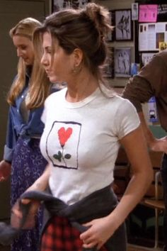 "Rachel Green's Best Fashion Moments from Friends : Her plaid PJ pants from ""The One with the Fake Monica"" Jeniffer Aniston, Jennifer Aniston Pictures, Jennifer Aniston Photos, Jennifer Aniston Style, Jennifer Aniston Friends, Estilo Rachel Green, Rachel Green Style, Rachel Green Friends, Rachel Green Hot"
