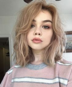 40 short hairstyles for women frisuren frauen hair hair women Popular Short Hairstyles, Trendy Hairstyles, Natural Hairstyles, Short Haircuts, Tumblr Haircuts, Wavy Haircuts Medium, Short Hairstyles For Girls, Grunge Hairstyles, Teen Haircuts