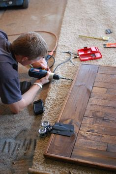 DIY: Sliding Barn Door Hardware Installation - awesome tutorial, with lots of pictures, that show step-by-step how to install the hardware on the door & wall. Make a barn door into a kitchen table Sliding Barn Door Hardware, Sliding Doors, Door Latches, Install Barn Door, Window Hardware, Do It Yourself Furniture, Diy Furniture, The Doors, Entry Doors