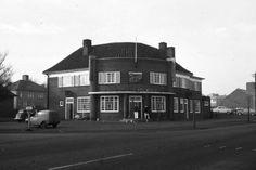 MEIR - 1963/64 - Junction Uttoxeter Road/Harrowby Road. Wagon & Horses Inn.