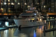 Beautiful yacht in Coal Harbour Vancouver Luxury Yachts, British Columbia, Vancouver, Boats, Building, Travel, Beautiful, Viajes, Ships