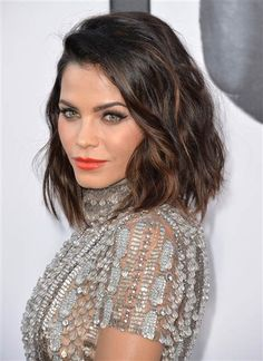 Jenna Dewan Tatum hair - This would look good on oval face shapes, someone with great texture and highlights to surround the face. Ask for angled ends and naturally tousled waves.