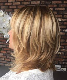 70 Brightest Medium Layered Haircuts to Light You Up Shoulder-Length Layered Brown Blonde Hair Medium Length Hair Cuts With Layers, Medium Hair Cuts, Medium Hair Styles, Curly Hair Styles, Medium Cut, Choppy Layers, Brown Blonde Hair, Blonde Lob, Caramel Blonde
