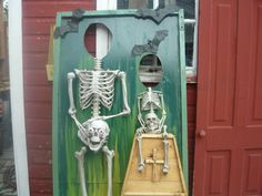 Great idea for a photo op... Skeleton, Halloween