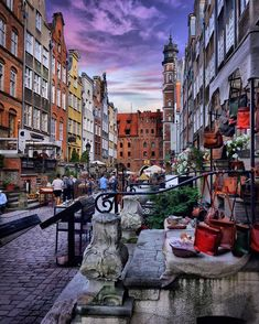 Top 10 Tourist Attraction To Visit in Poland - Tour To Planet Places To Travel, Travel Destinations, Travel Europe, Warsaw Old Town, Gdansk Poland, Visit Poland, Underground Cities, Medieval Town, Travel News