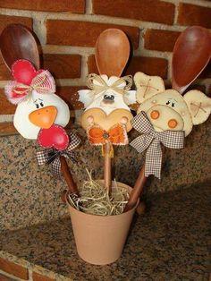 cucchiai di legno ... simpatici :)