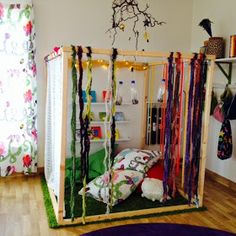 I like that this kind of feels like a hideaway but also feels open to the classroom. Reggio Classroom, Classroom Layout, Toddler Classroom, Classroom Setting, Classroom Design, Classroom Organization, Classroom Decor, Preschool Rooms, Home Daycare