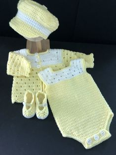 Crochet For Boys, Boy Crochet, Booties Crochet, Crochet Cardigan Pattern, Crochet Patterns, Crochet Baby Clothes, Baby Boy Newborn, Baby Month By Month, Baby Boy Outfits