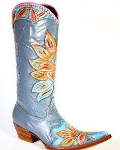 Flowers  #cotww #instafashion #instagood #styleinspiration #fashion #shoelover #boots #style #styleguide #styleicon