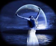 Full-Moon-Goddess-T.jpg 360×297 pixels