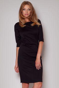 caa327d731 Klasyczna sukienka o prostym kroju. Posiada rękaw o długości   i odcięcie  pod biustem.