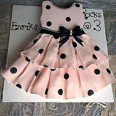 So PRETTY 👗🎀. from - My daughters second cake# enrika rocks @ 3 -❤❤❤💞👌 Baby Girl Dress Patterns, Baby Girl Dresses, Baby Dress, Little Girl Outfits, Little Girl Dresses, Kids Outfits, Toddler Fashion, Kids Fashion, Girls Tunics