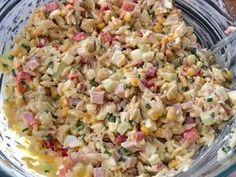 Kolorowa sałatka makaronowa - Blog z apetytem Pasta Salad, Grilling, Food And Drink, Ethnic Recipes, Blog, Diet, Salads, Crab Pasta Salad, Crickets