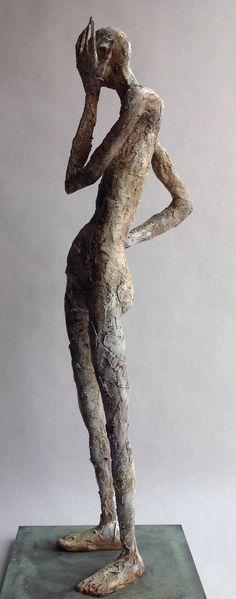 "Pablo Hueso. ""MiDomando"" Figura Ma325. 2016. Arcilla polimérica. Acrílico y barnices. Acero, madera.  45 x 15 x 15 cm. http://www.pablohuesoart.com"